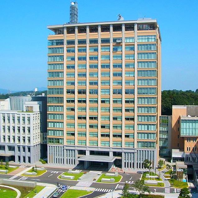 県庁行政棟